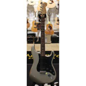 Fender Player Road Worn HSS Stratocaster Inca Silver